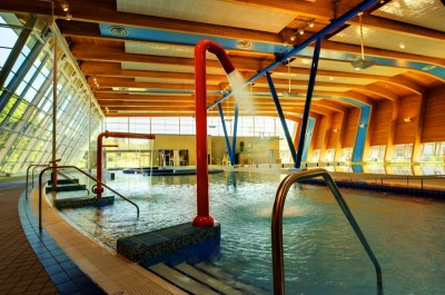 HIllcrest Aquatic Centre: Leisure pool with water toys, sprays, jets, water cannons and lazy river