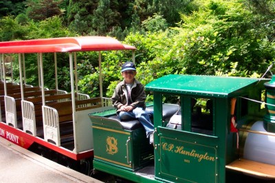 how to get to stanley park miniature train