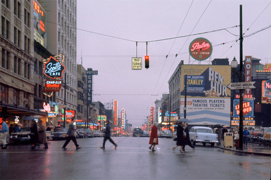 Fred Herzog Crosswalk 1960 Courtesy Equinox Gallery