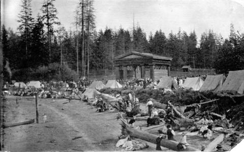 Stanley Park Historical Walking Tour - Lumbermen's Arch | Things To Do In Vancouver This Weekend