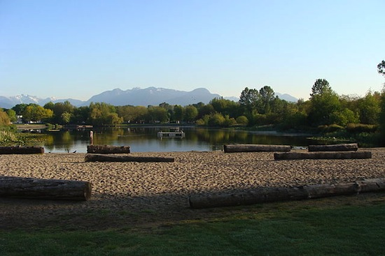 Trout Lake Park. Photo credit: lota 9 at English Wikipedia