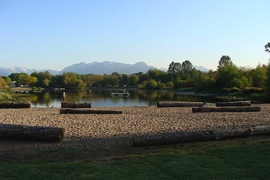 Trout Lake Park. Photo credit: lota 9 at English Wikipedia