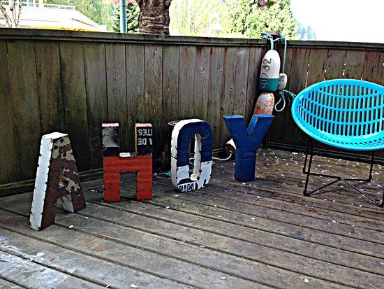 A mini deck outside A'hoy Goods in Deep Cove.