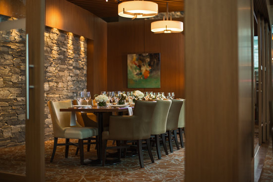 Westcoast modern elements make Showcase's private dining space chic and comfy.