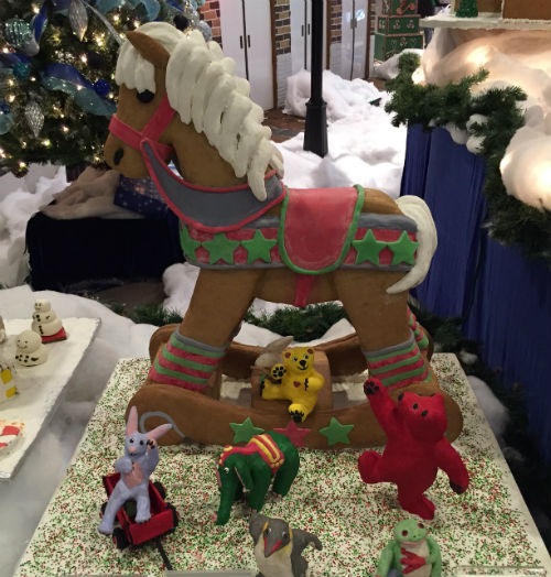Janet Boyhan of Everson, Washington, made this gingerbread creation. Carolyn Ali photo.