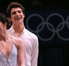 Olympic Gold Medallists Tessa Virtue and Scott Moir will perform with Stars On Ice at Rogers Arena for the 25th anniversary tour.