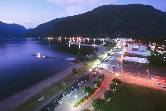 The Village At Night | Photo: Tourism Harrison Hot Springs