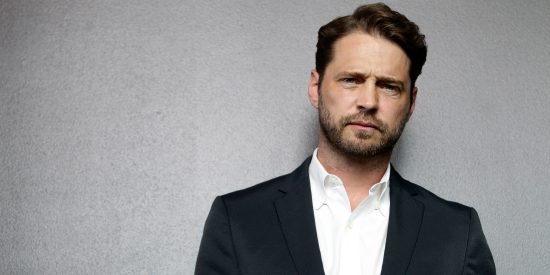 Beverly Hills, 90210 alum Jason Priestley is behind the camera for the Van Helsing series.