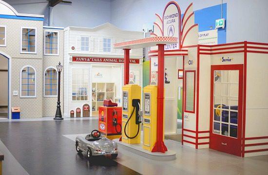 Kidtropolis Gas Station | Photo: Kidtropolis