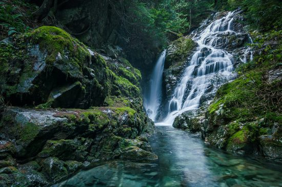 waterfall hikes vancouver