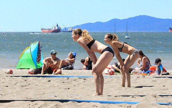 Discover Outdoors Vancouver Volleyball2