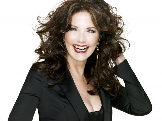 Lynda Carter will appear on Supergirl
