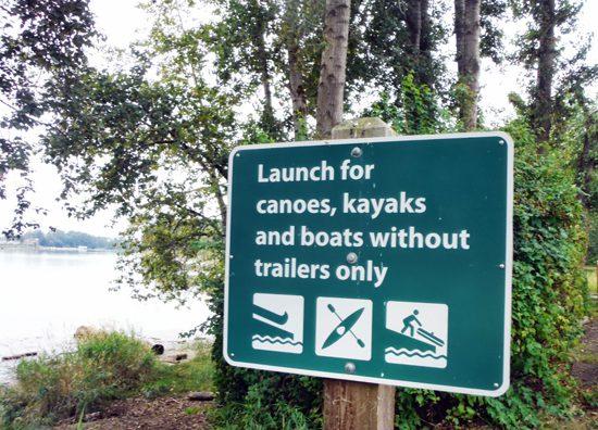 Discover Outdoors Kayak Deas 1