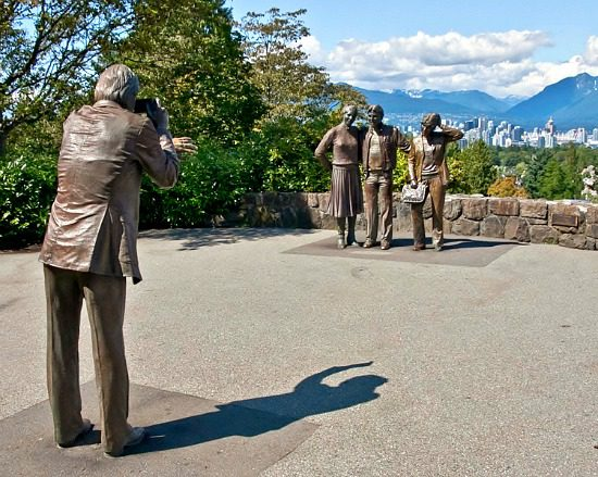 Photo Session by J. Seward Johnson, Jr. | Photo: TrekEarth.com