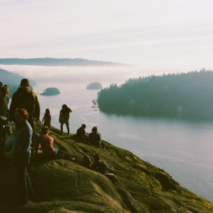 easy vancouver hikes long weekend