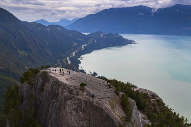 Hikers on the Stawamus Chief in Squamish as seen from above