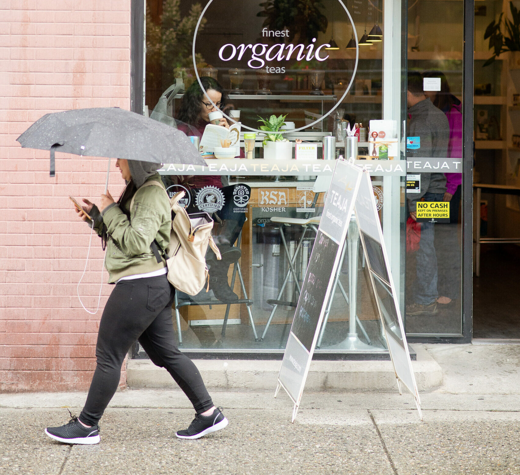 Walking the rain healthy benefits