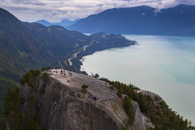 Hikers on the Stawamus Chief