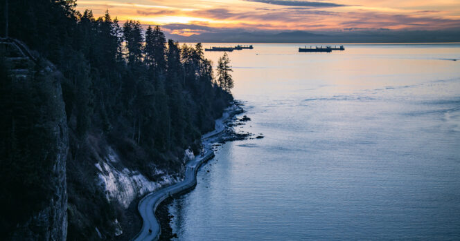 Sunset on the seawall from the Lions Gate Bridge in Vancouver