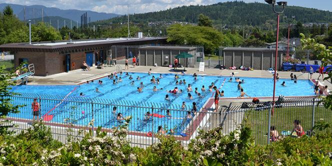 Kengsington Outdoor Pool near Vancouver